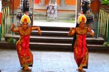 The beautiful Barong dance
